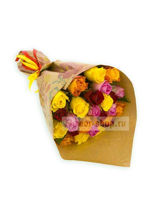 Букет из 25 разноцветных роз Акуна Матата