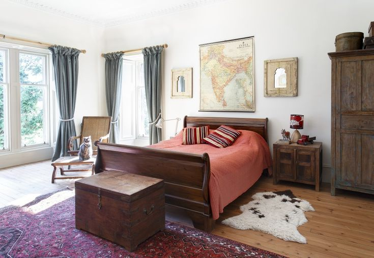 A Home Tour in Period Living | by Scaramanga |…