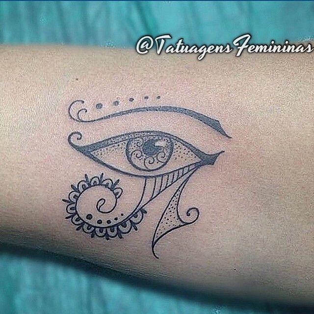 """6,033 Likes, 149 Comments - Tatuagens • Tattoos  1,6m (@tatuagensfemininas) on Instagram: """"Olho de Hórus  Feita pelo Tatuador/Tattoo Artist:  Diegomonteirotattoo  Inspiração ↺  Inspiration…"""""""