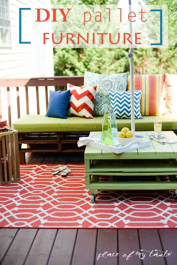 DIY PALLET FURNITURE – PATIO MAKEOVER http://placeofmytaste.com/2014/07/diy-pallet-furniture-patio-makeover.html