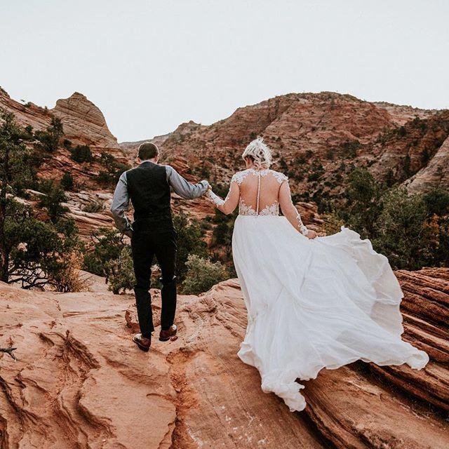 Elopement In Zion National Park By Evie Rupp Photographer Wedding Elope Wedding Wedding Inspiration Wedding Dresses