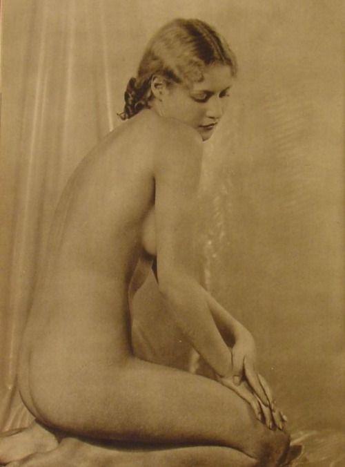 Venusberg erotic art