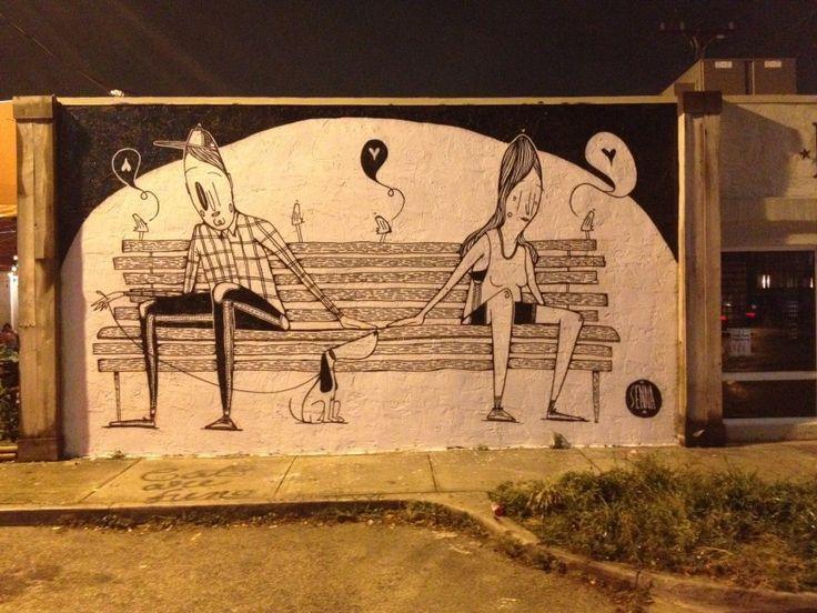 Due cuori e un muro: la street art romantica di Alex Senna. Newsfromtshirts.com