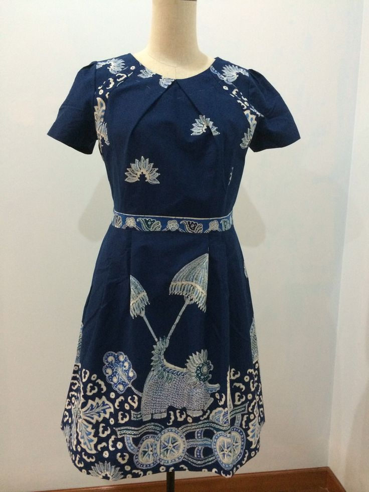 Dress made from batik tulis. Dress is made by Dongengan (Facebook: https://m.facebook.com/dongengan)