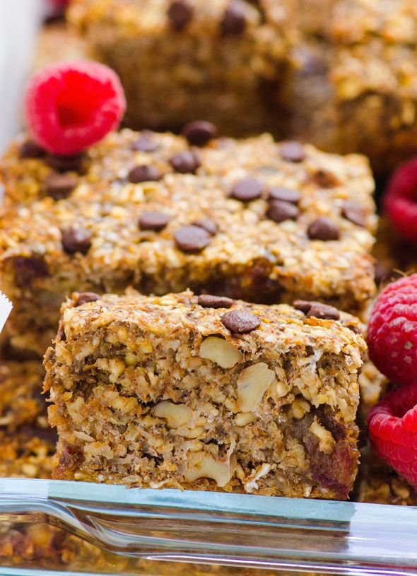 Naturally sweetened with bananas and dried fruit freezer friendly breakfast on the go. Gluten free and vegan too.