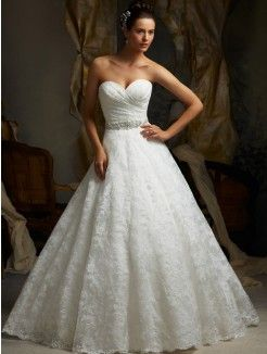 A-line/Princess Sweetheart Court Train Organza Wedding Gown With Applique