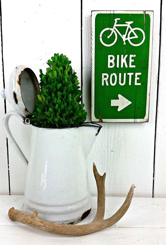 Bike Route Bicycle Bike sign, Mountain Bike, Road Bike, 10 Speed, Triathlon, Iron man, Bike ride. Bike lane