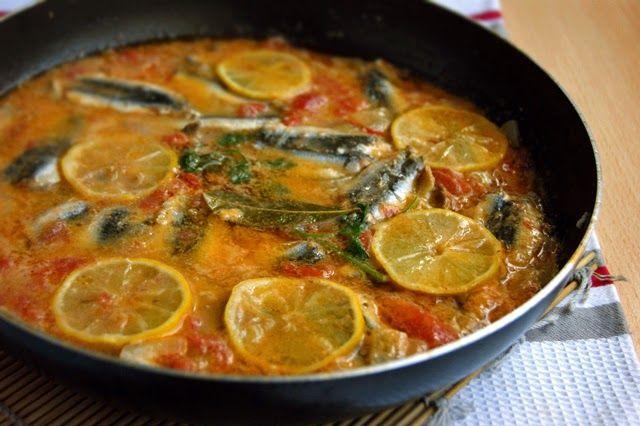 Хамса в томатно-луковом соусе