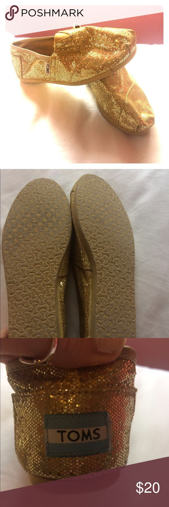 Gold Glitter Toms Near perfect condition - as you can see from the bottoms. Very cute! TOMS Shoes