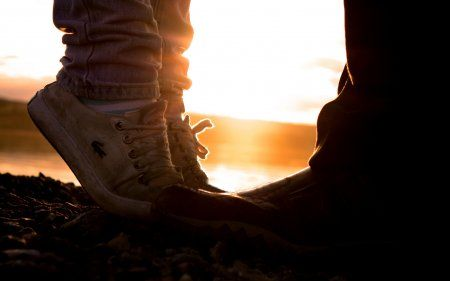 От любви до ненависти — два шага налево, два шага направо, шаг вперед и два назад.