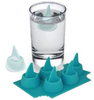 shark attack ice cube tray SHARK ATTACK ~ GIFT IDEAS THAT ARE SURE TO MAKE YOU SMILE (GAG GIFT OR PARTY THEME)