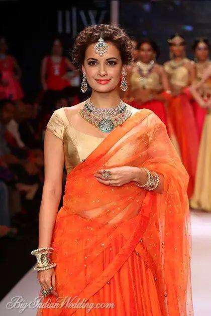 Dia Mirza for Shobha Shringar Jewellers at IIJW 2014