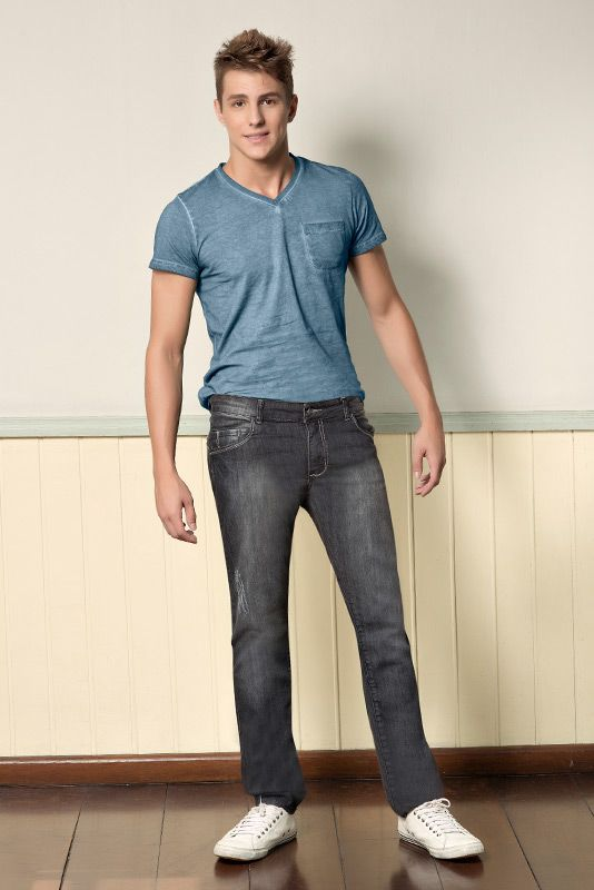 M2A Jeans | Fall Winter 2014 | Teen Collection | Outono Inverno 2014 | Coleção Juvenil | peças | calça jeans masculina; camiseta azul masculina; jeans; denim.