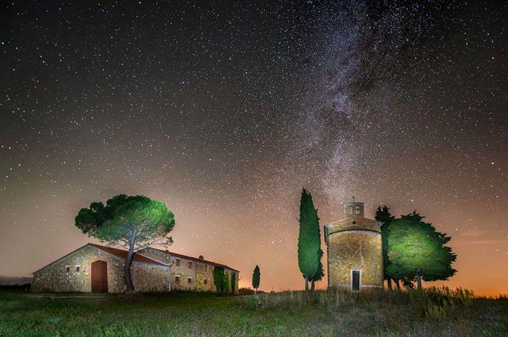 Fotografia notturna, cielo stellato, esposizione, attrezzatura, startrail, luna, light painting