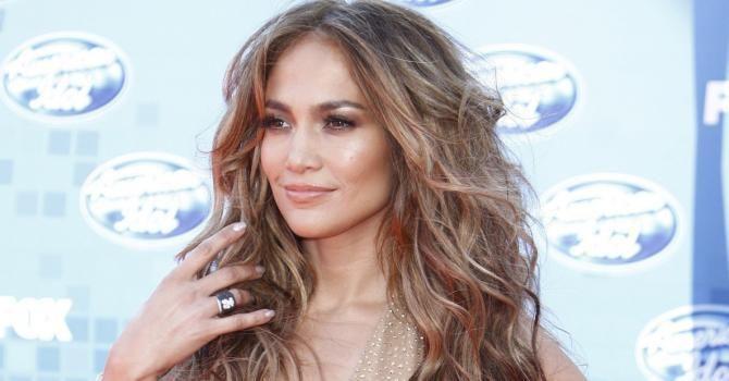 Le régime de Jennifer Lopez : http://www.fourchette-et-bikini.fr/regime-de-stars/le-regime-de-jennifer-lopez-27177.html