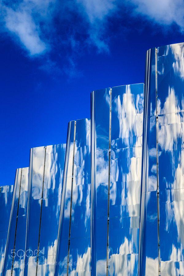 Cloud Reflections on Len Lye Centre by JosBuurmans