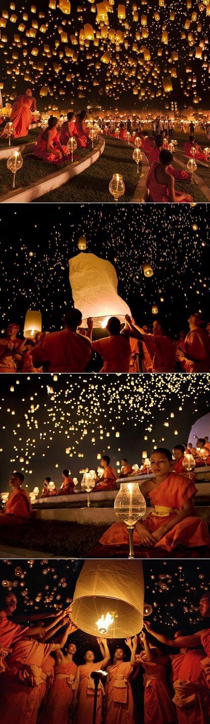 一度はいってみたいなあ❤️ Lantern Festival in Thailand...@Kerry Aar Shanahan I CAN'T wait to see this in person together!