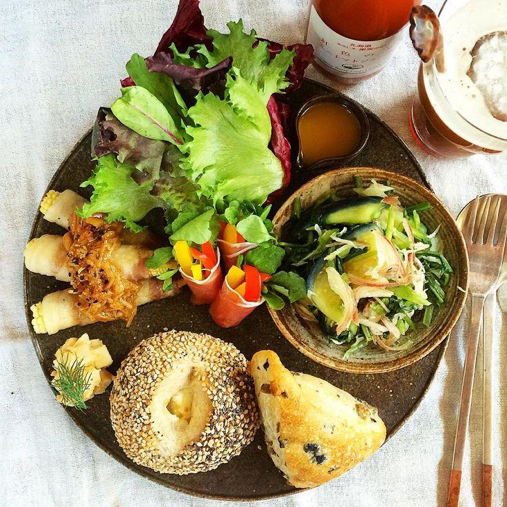 水茄子と茗荷と壬生菜のサラダ、#PAUL のミニパン☺︎