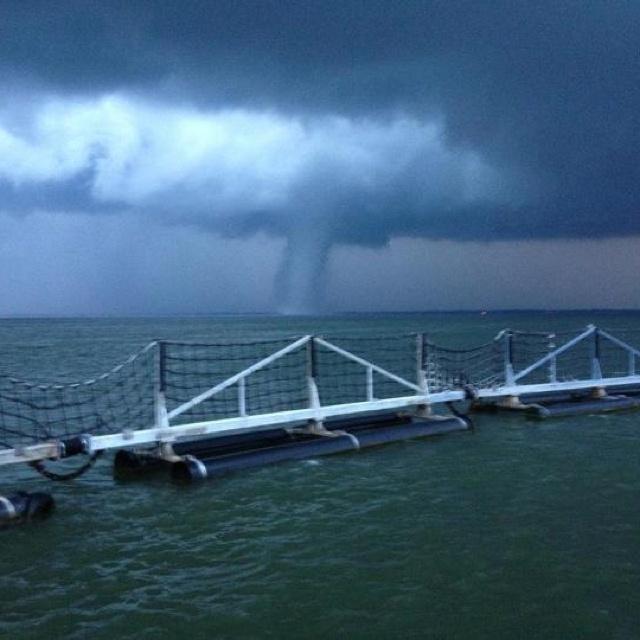 Tornado at Norfolk Naval Base, Virginia | Miscellaneous ...