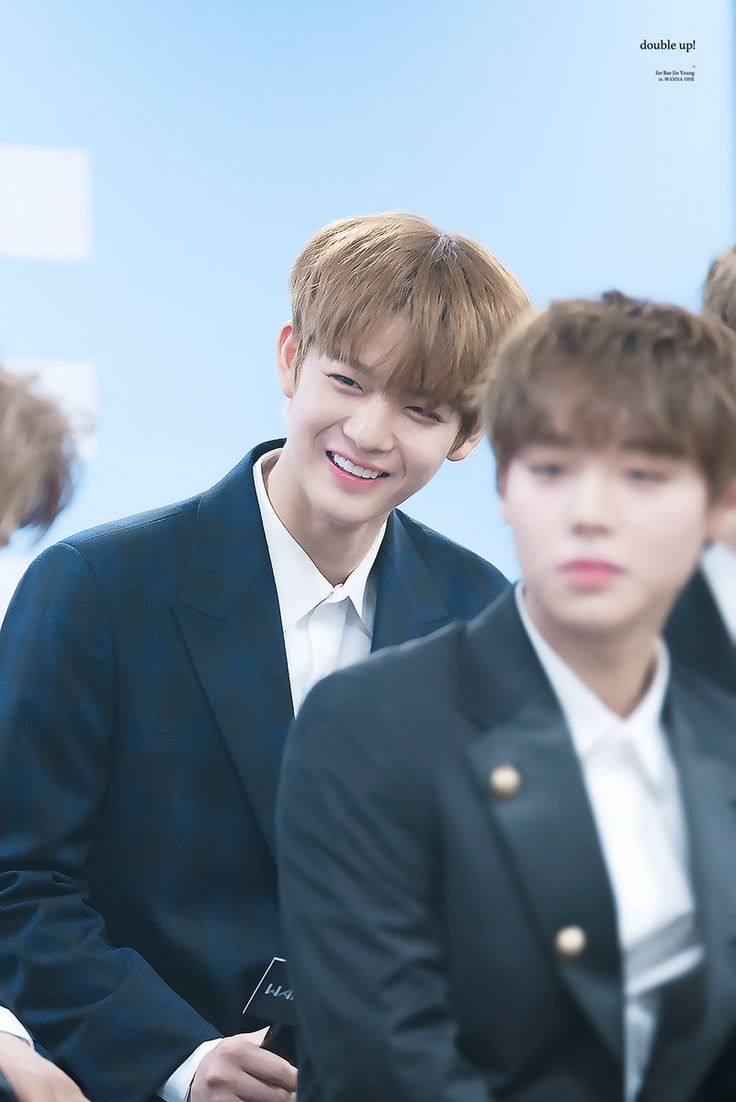My bias face is blurred but Bae Jinyoung ^^