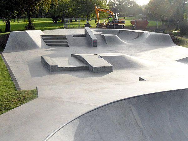 Ealing skate park - Click on image to enlarge