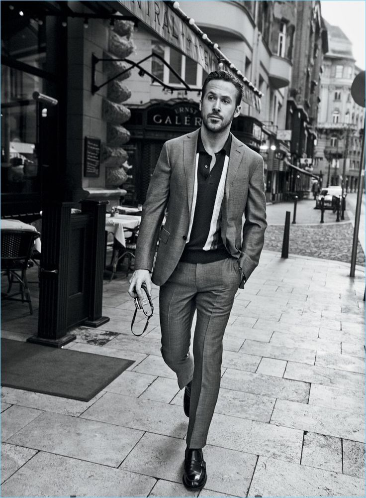 Embracing shades of grey, Ryan Gosling sports a Dolce & Gabbana polo shirt with Tom Ford trousers for the January 2017 cover of GQ. Gosling dons classic menswear pieces for the accompanying photo shoot, which was captured by photographer, Craig McDean. Promoting his latest project, La La Land, Gosling sits down for an interview with...[ReadMore]
