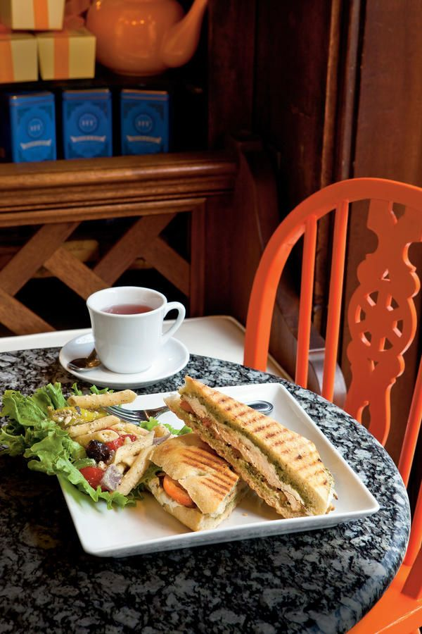 Gryphon Tea Room Take A Culinary Tour Of Savannah S Restaurants Southernliving Midday Lunch