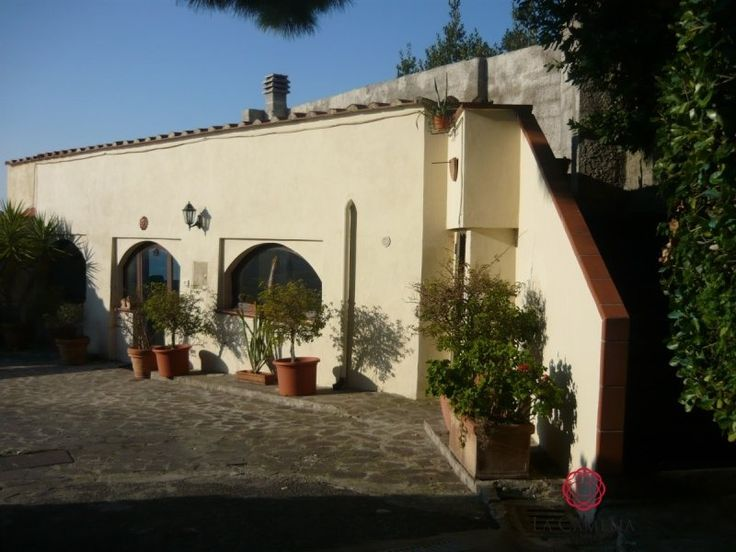 For Sale Luxury Real Estate Piombino. Charming historic villa overlooking the sea of Salivoli with its own wharf. http://www.retemax.com/for-sale-luxury-real-estate-piombino-o639606.html