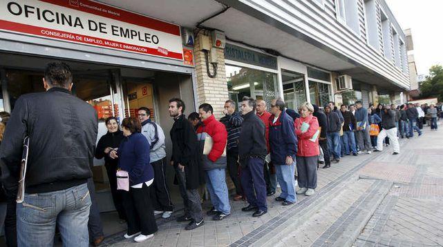 Estoy contra la reforma laboral porque hay muchas españoles que viven en Londres por esta misma razón. Deseo que pueda regresar a España y trabajar en mi campo de estudio.