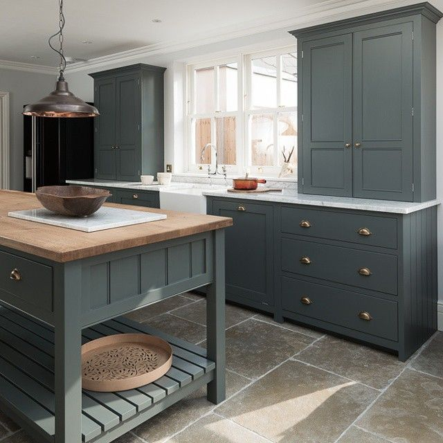 The Hampton Court kitchen perfectly combines our Shaker and Classic English ranges to create an elegant and stylish space #deVOLkitchens