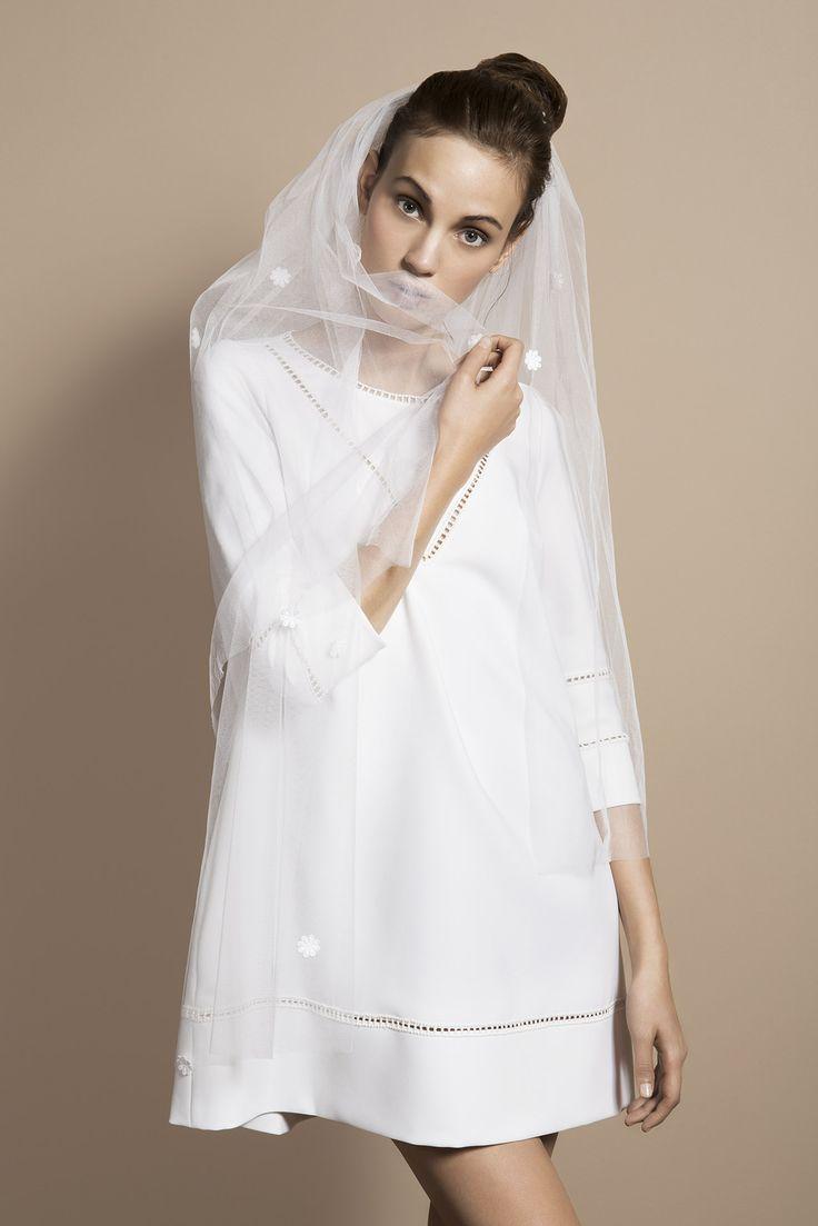 Voile court fleurs - Accessoires - Delphine Manivet créatrice de robes de mariée Paris