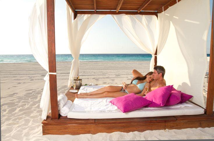 Enjoy your romantic honeymoon at adults-only Le Blanc Spa Resort  in Cancun, Mexico | Destination Weddings Blog #honeymoondestination