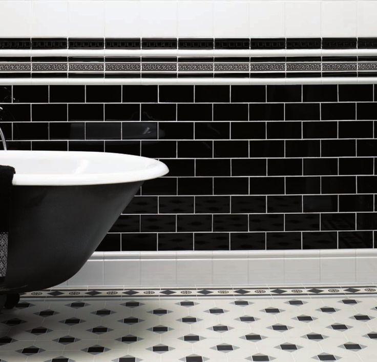 Carrelage noir et blanc pour d co mur et sol en style for Carrelage mur salle de bain blanc
