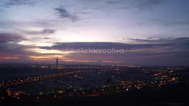 Amanecer en Sevilla by BellotaCreativa. Sevilla amaneciendo visto desde Camas #timelapse