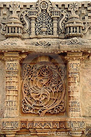 Step well blends Indian and Islamic styles. Vast step wells were built to not only store water after the rainy season but when the city was under siege. Adalaj, near Ahmedabad, India
