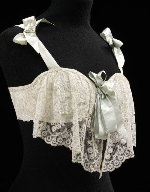 Bust Bodice  1905  The Victoria & Albert Museum