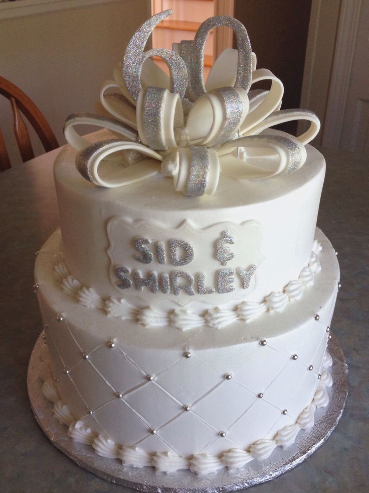 Cake Decorations For Diamond Wedding Anniversary : 17 Best images about Diamond wedding cake on Pinterest ...