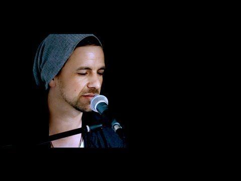 Max Herre feat. Philipp Poisel - Wolke 7 ( Studio Version ) - YouTube Love this sooooooooong so much,