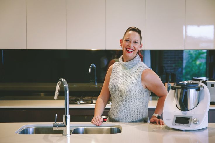 Hello Community! Today our guest blogger is Kathryn Carmont from ThermoHub.  Lately I have seen so many mums going towards Thermomix and I didn't understand the real benefit behind it. The popularity is growing each day and I don't want to stay out of this wave.  For this reason I thought it would be good to have a professional opinion on the subject. Then, if you are as curious as I am, grab a cuppa and happy reading!