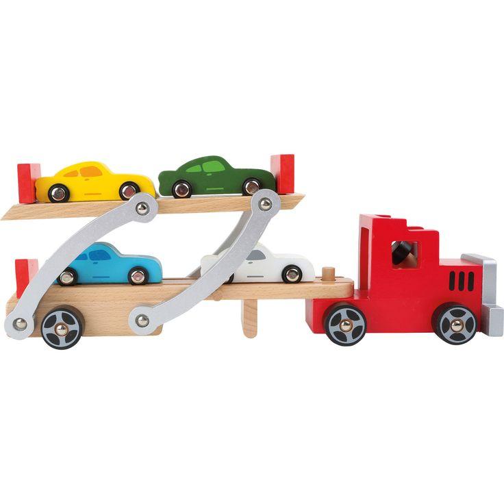 Jucăria educațivă din lemn vă ajută să pregătiți livrarea ultimelor modele de autoturisme, de la fabrică la reprezentanță cu cel mai nou model de camion transportor. Asigurați mașinuțele în față și în spate pentru a nu cădea pe drum și astfel totul este gata pentru o călătorie în siguranță! Dotat cu o rampă de încărcare, transportorul poate fi încărcat cu 4 mașinuțe de lemn. Atenție, gabarit depășit!