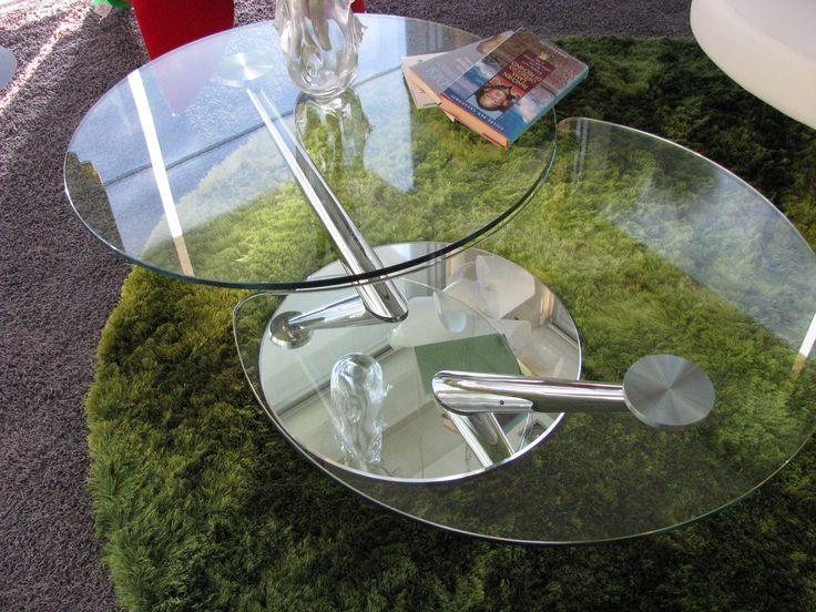 Tavolino girevole-estensibile rotondo. Rotating table extensible