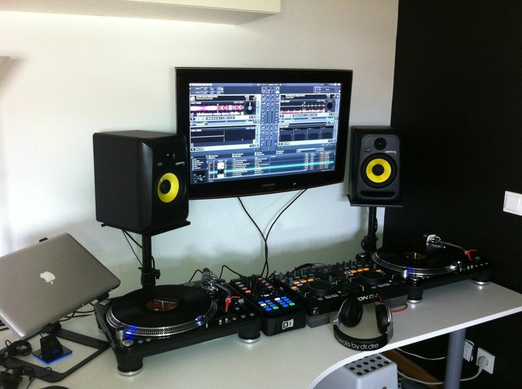 D E C A Abcb Eba A B further Gnc Cpm also Zoemcy in addition Photodune Sound Engineer Working At Mixing Panel In The Boutique Recording Xlfb as well Cca Fbb Bef E B D Aa. on home recording studio mixer setup