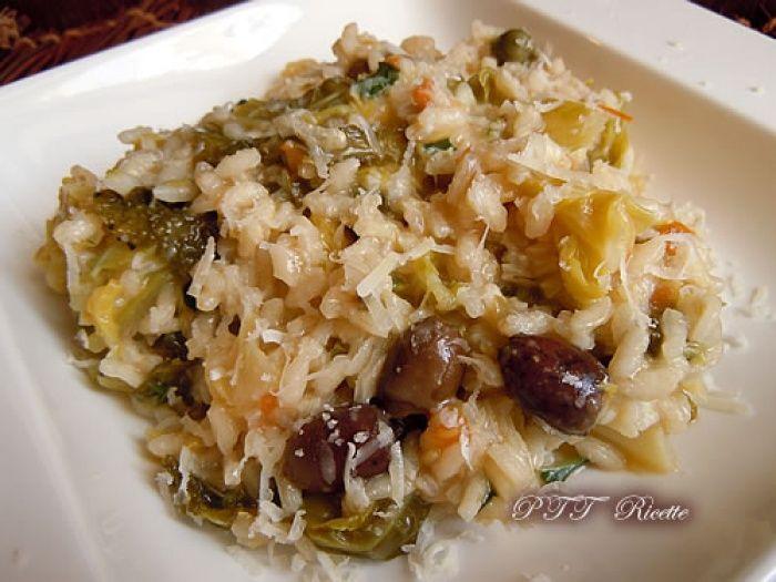 Riso e verza con olive sott'olio, una ricetta da non perdere! #riso #verza #risotto #olive #saporito #ricetta #recipe #italianfood #italianrecipe #PTTRicette