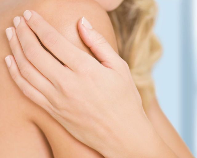5 AhhhMAZING Nail Tricks to Try!