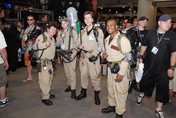 Idee per il costume di carnevale (se si é un gruppo di almeno 4 amici) ; gli acchiappafantasmi #Ghostbusters, manca solo lo zainetto protonico!