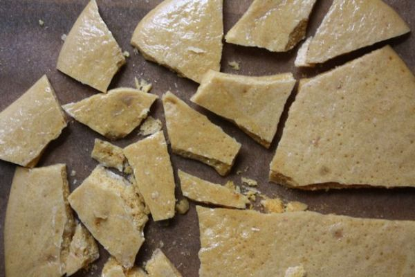 HokeyPokey - Simple, three ingredient old fashioned candy....