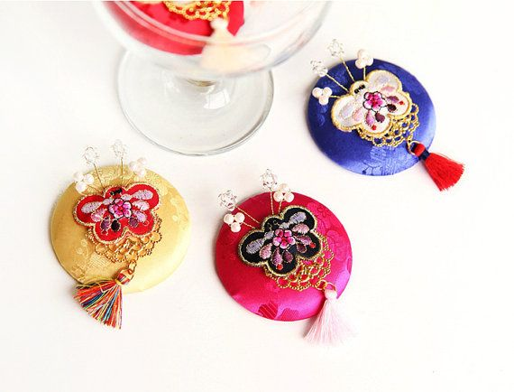 Hanbok Hair clip  butterfly brooch  Korean traditional by muzeday