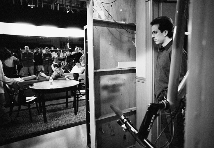 Jerry Seinfeld waits on the sidelines of the set during a rehearsal. Image by David Hume Kennerly / Getty Images