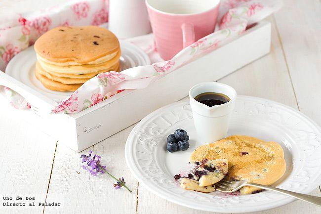 Tortitas americanas con arándanos  http://www.directoalpaladar.com/postres/tortitas-americanas-con-arandanos-receta