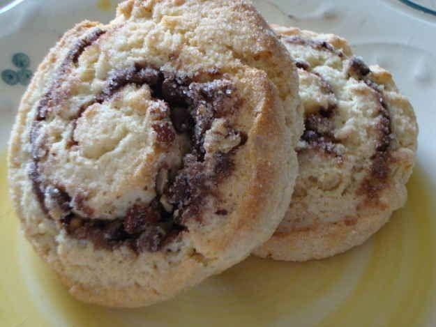Nutella & Pecan Swirl Biscuit Buns | 9 Sticky Buns & Cinnamon Rolls T...